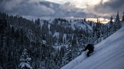 Grete Ripping Evening Turns in the Stevens Pass BC