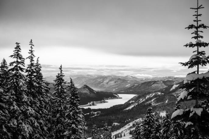 Views of Keechelus Lake From Alpental
