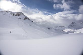Heading out onto the Glacier De Poilus